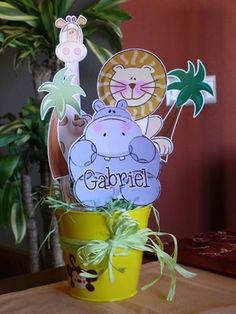 Centros de Mesa Baby Shower Table, Welcome To The Party, Safari Party, Baby Birthday, Party Time, Mickey Mouse, Centerpieces, Birthdays, Projects To Try