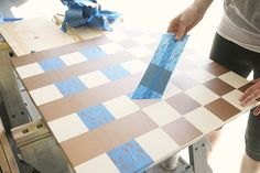 This DIY outdoor checkers game table has a secret! It doubles as a pretty mosaic top patio table. We have the complete tutorial for this DIY project. Outdoor Checkers, Outdoor Yard Games, Diy Outdoor Table, Diy Table, Backyard Games, Outdoor Decor, Painted Game Table, Checkerboard Table, Tile Tables