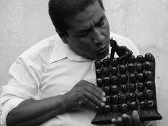 http://www.estilomexicano.com.mx/#!CUATRO-MANOS-DOS-OFICIOS-UNA-ICONOGRAFA/c1ndc/55B15481-750B-40CB-B50E-C6898A7B3742 CUATRO MANOS, DOS OFICIOS, UNA ICONOGRAFÍA... Del 19 de Julio al 12 de Octubre estará en exhibición el trabajo de dos grandes maestros de la artesanía mexicana; Jacobo Ángeles y Carlomagno...  #Arte #Artesanía #Mexico #Oaxaca #Madera #Alebrije #BarroNegro #arteContemporáneo #Artemexicano #Artetradicional #tradicion #Cultura #DF #MAP #Calavera #TONA #Maderatallada