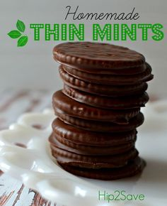 Do you love Girl Scout Cookies? Make these copy-cat Thin Mints with a few ingredients from home! Adapted from Averie Cooks Homemade Thin Mint Cookies - Homemade Thin Mints (Easy No Bake Cookie) by (It's Not Your Grandma's Coupon Site) Köstliche Desserts, Delicious Desserts, Dessert Recipes, Yummy Food, Mint Recipes, Candy Recipes, Cookie Recipes, No Bake Recipes, Holiday Baking