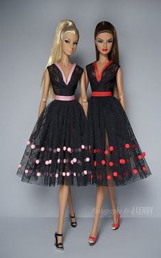 56 ideas toys vintage barbie for 2019 Barbie I, Black Barbie, Barbie Dress, Barbie Clothes, Fashion Royalty Dolls, Fashion Dolls, Barbie Vintage, Barbie Sewing Patterns, Barbie Wardrobe