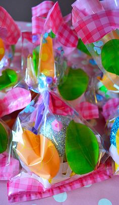 Easter Egg Bags - Fill with #chocolate / eggs / gifts for #Easter egg hunts or #parties!