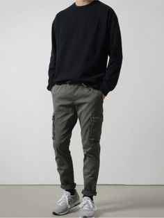 Minimalist fashion men - How To Build A Minimalist Wardrobe For Men Outfits Casual, Mode Outfits, Grunge Outfits, Men Casual, Guy Outfits, Simple Outfits, Minimalist Wardrobe, Minimalist Fashion, Korean Fashion Men