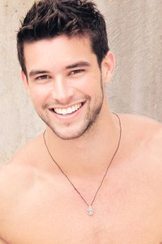 killer smile :-D Beautiful Men Faces, Gorgeous Men, Bernardo Velasco, Love Your Smile, Boy Celebrities, Andrew Christian, Big Sean, Celebrity Dads, Interesting Faces