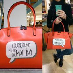 """E se """" Il buongiorno si vede dal mattino """"... che sia una fantastica giornata!!!!! Borsa Le Pandorine Comics Buongiorno €95,00 disponibile su Carpel Shop. ▶ Per Info e Acquisti WhatsApp 3381942305, Facebook Pvt,  carpelpelletterie@gmail.com ◀   Link: http://www.carpelshop.com/borse-donna-le-pandorine/le-pandorine-comic-mattino_634.html"""