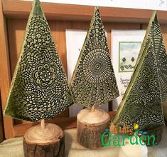 Beautiful ceramic trees from the Bad Gamser Keramik Beautiful ceramic .- Keramik-Bäume aus der Bad Gamser Keramik Wunderschöne Keramik-B… Beautiful ceramic trees from the Bad Gamser Keramik Beautiful ceramic trees from the Bad Gamser Keramik Pottery Tools, Slab Pottery, Ceramic Pottery, Pottery Art, Ceramic Art, Pottery Courses, Christmas Crafts, Christmas Decorations, Christmas Ideas