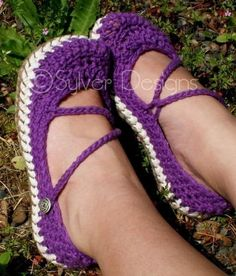 I love crocheted mary janes, and these are especially awesome since they have proper soles! (I'm a Eur size 39)