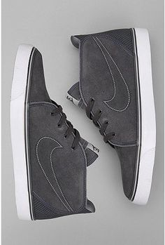 Nike Toki zawsze dobre, jedne z najwygodniejszych butów ever. Mam dwie pary i zapewne nie są to ostatnie T w mojej kolekcji, like 'em