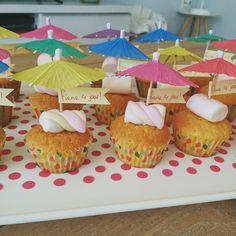 Cakejes met een spekje en parasol - paraplu - aju paraplu - traktatie - crèche - kinderdagverblijf - kleuter