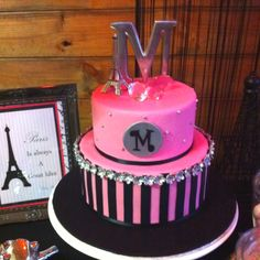 smash cake idea his letter on top. Not the pink lol My Favorite Part, My Favorite Things, Baby Cake Smash, Love Cake, Cute Cakes, Party Cakes, Eat Cake, Main Dishes, Goodies
