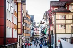 Appenzell: Sehenswürdigkeiten, Restaurants & Shops | Schweizer LittleCITY Guide #2 ⋆ Reiseblog, Food & Lifestyle Blog aus der Schweiz Japanese Wine, Close Proximity, Drinking Water, Summer Time, Times Square, Street View, Places, Nature, Travel
