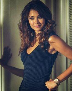 Nina on set of Vampire Diaries