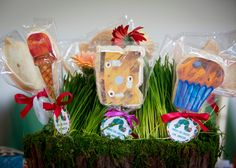 A Hungry Hungry Caterpillar birthday party wouldn't be complete without themed cookie favors! Hungry Hungry, Cookie Favors, Retirement Parties, Hungry Caterpillar, Social Events, Bat Mitzvah, Christening, Photo Credit, First Birthdays