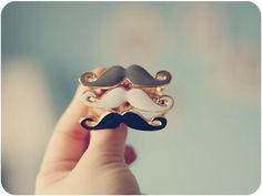 Moustach rings