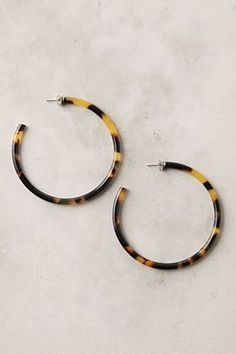 Tortoise shell hoops... a little different than my normal gold hoops!