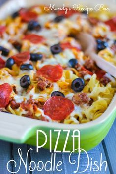 Pizza Noodle Dish 10 oz egg noodles, uncooked 1 lb ground beef 1 jar (14 oz) pizza sauce 1 cup shredded cheddar cheese 1 cup shredded mozzarella cheese 1 package (3.5 oz) sliced pepperoni sliced olives other pizza toppings Mandysrecipebox