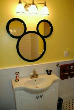 Adorable Mickey mouse set bathroom
