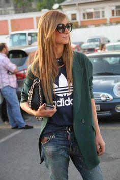 Spring/Fall: Boyfriend Blue Jeans + T-Shirts + Coats