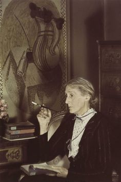 Virginia Woolf photographed by Gisèle Freund - London, 1939