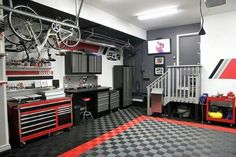 Organizing a garage isn't a one-size-fits-all project, so we've compiled some of our best garage storage ideas. Check out these tips to find ways to make your garage more organized and better to use. Maximize your garage storage space quickly . Garage Floor Tiles, Garage Walls, Garage Cabinets, Garage Doors, Tool Cabinets, Garage Storage Solutions, Garage Organization, Storage Ideas, Organization Ideas