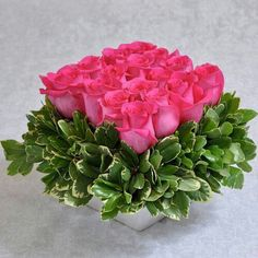 Hot Pink and Variegated Pitt...very cool done in the pave style...imagine with higher vase