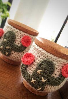 Scrap Crochet, Crochet Mug Cozy, Crochet Books, Crochet Art, Crochet Gifts, Crochet Cactus Free Pattern, Crochet Amigurumi Free Patterns, Crochet Sole, Crochet Jar Covers