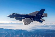Elbit Systems of America announced that it was awarded a contract by Lockheed Martin to develop a cockpit display replacement for the F-35 aircraft.