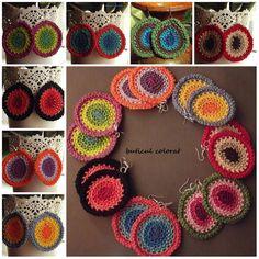TONOS del ganchillo pendientes, diseñados por mi propia inspiración en el estilo hippie Material: 100% algodón Colgante: tono plata metal Los colores de la propuesta de abajo hacia arriba: -tonos naranja -tonos de púrpura -tonos rojos -tonos de verde -tonos de azul -pavo real tonos