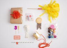 Birtday in an box sugar lander: handmade diy birthday box, gifts и party in Diy Birthday Box, My Sister Birthday, Birthday Pins, Happy Birthday, Diy Party, Party Gifts, Party Ideas, Gift Ideas, Craft Party
