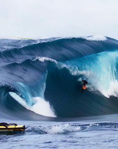 #LL @LUFELIVE #thepursuitofprogression  Big wave Surfing