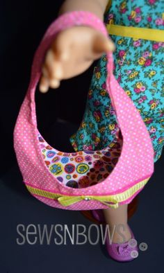 "18"" doll hobo bag made with free pattern"
