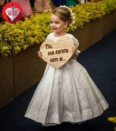 dos sonhos this is the most adorable look! this is the most adorable look! Chic Wedding, Perfect Wedding, Dream Wedding, Wedding Day, Wedding Designs, Wedding Styles, Marry You, Bridal Collection, Dress Wedding