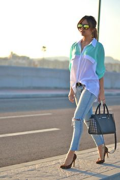 Pastel blocking with a multicolour shirt