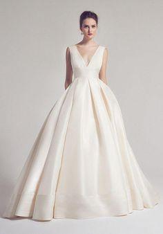Anne Barge: Langham ball gown/wedding dress #elegantlaceweddingdresses