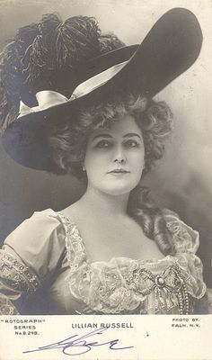 1903. Lillian Russell. (December 4, 1860[1] – June 6, 1922) was an American actress and singer. She became one of the most famous actresses and singers of the late 19th and early 20th centuries, known for her beauty and style, as well as for her voice and stage presence.