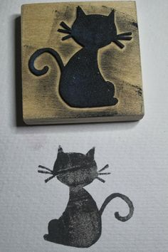 Sellos caseros con gomaeva. Diy Stamps, Handmade Stamps, Custom Stamps, Stencils, Stencil Diy, Stamp Carving, Doodle Lettering, Wood Stamp, Tampons