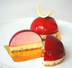 Raspberry Domes - jaconde, raspberry bavarian, raspberry glacage, white chocolate