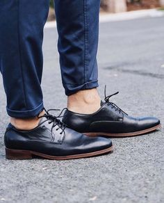sports black derbies from shoes on the latest style story. Aldo Shoes, Men's Shoes, Oxford Shoes, Dress Shoes, City Style, Men's Style, Shiny Shoes, Shoe Sites, Fashion Story