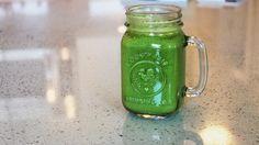 Green Peanut Butter Smoothie - MELISSA MERK