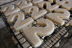 This is the best Foolproof No Chill No Spread Sugar Cookies I've ever made! It is very easily customizable also! Check out the options below the recipe! No Spread Sugar Cookie Recipe, Cream Cheese Sugar Cookies, Sugar Cookies Recipe, Cookie Recipes, Cookie Ideas, Royal Icing Cookies, Cake Cookies, Cupcakes, Cookie Dough Dip