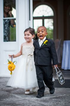 The cutest little ring bearer & flower girl ever! Thanks Leng Leng Samsonova James for this adorable pin :) (Photography credit: Stevie Ramos of Stevie Ramos Photography) Dream Wedding, Wedding Day, Wedding Advice, Wedding Blog, Wedding Ceremony, Interracial Love, Interracial Wedding, Wedding With Kids, Fancy