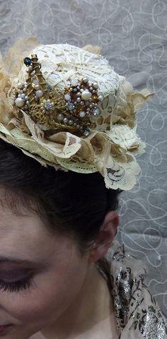 Tocado de novia vintage Crown, Jewelry, Fashion, Templates, Bridal Headpieces, Grooms, Moda, Corona, Jewels