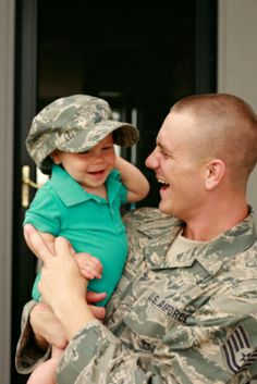 Companies don't always publicize the discounts they offer members of the military and their families -- so it took a lot of time and energy for FatWallet.com to assemble this alphabetized list of special offers. Salute!