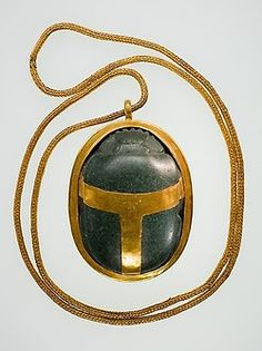 Heart scarab of Hatnefer - New Kingdom period (early dynasty reign of Thutmose II - early Joint reign of Hatshepsut and Thutmose III) - circa B. - Ancient Egypt (Upper Egypt, Thebes, Sheikh Abd el-Qurna, tomb of Hatnefer and Ramose) - serpentinite, gold