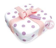 Gâteau cadeau   http://blog.scrapcooking.fr/fr/gateau-cadeau-0