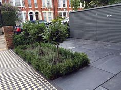 Metal gate rails slate paving path Victorian Mosaic London Fulham Chelsea Wandsworth Balham Contact anewgarden for more information