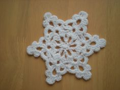 EmmHouse: Easy to make Snowflake/ Star - free crochet pattern.
