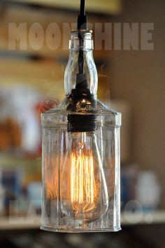 Whisky reciclado colgante botella luz lámpara por MoonshineLamp