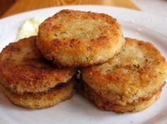 Southern Recipes Southern Fried Grit Patties for a special weekend breakfast or brunch Patties Recipe, Southern Recipes, Southern Food, Southern Style, Southern Dishes, Southern Comfort, Southern Grits, Soul Food, Breakfast Recipes