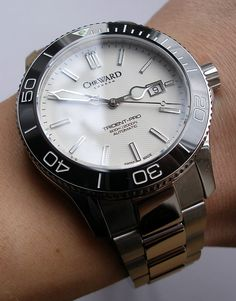Christopher Ward C60 Trident Pro 600, in white